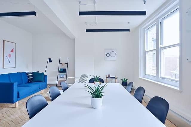 Interiéroví designéři vám pomohou vybavit byt